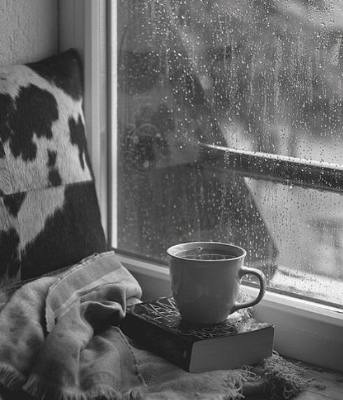 Fuori piove e io scrivo
